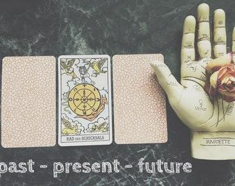 3 Card reading past, present, future Tarot