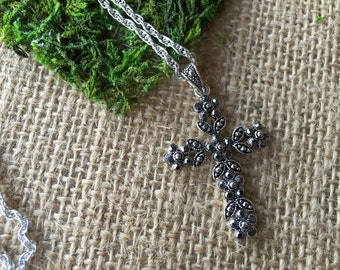 Cross necklace/ Vintage necklace/ necklace/ jewelry/ all occasion necklace/ pendant necklace/ gift for her/ casual jewelry/ casual necklace