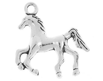 10 charms in antique silver 3D trotting horse