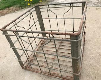 Vintage Farmhouse Metal Wire Milk Crate Organizing