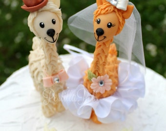 Llama custom wedding cake topper, wedding cake figurines, cute animal cake topper, bride and groom with banner
