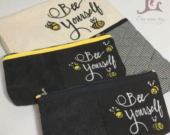 Bee Yourself Embroidered Accessory/Multifunctional Case & Necessaire Made In Japan