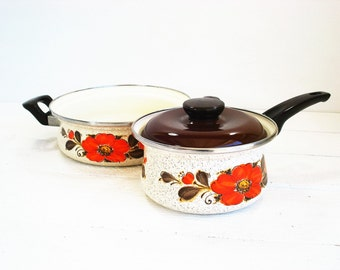 Vintage Pans Show Pans Sanko Ware Japan Enamel Saucepans