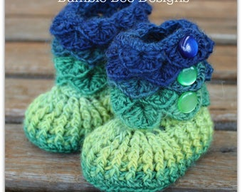 Crocodile Stitch Baby Booties That Stay On / Baby Slippers / Baby Booties / New Baby Gift / rainbow / 0-6 months / booty / green Irish