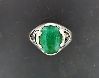 Abstract Style Sterling Silver Ring with Indian Emerald