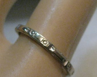 Vintage 14kt Art Deco Wedding Band, sz. 4.5, 1.13 grams, 1.6mm, signed B