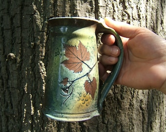 large coffee mug tanker 18-20 ounce in green leaf pattern beer mug