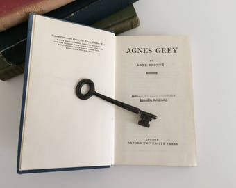 Agnes Grey by Anne Bronte ~ The World's Classics Copy ~ Library Copy ~ Oxford University Press London ~ A Chronology Of The Bronte Family