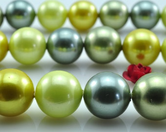 39 pcs of mixed color Shell Pearl smooth round beads in 10mm,SP1020