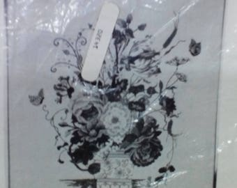 Kit-Floral Bouquet, Crewel,Includes Stamped Fabric & Yarn, Vintage
