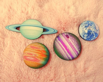 Solar System Planet Saturn Earth Jupiter Sci Fi Lunar Pin Badge