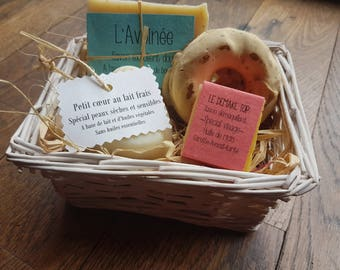 """The """"Basket of 4 soaps"""", 4 interchangeable soaps gift basket"""