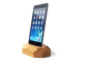 iPad dock - wood iPad dock - iPad charging station - iPad station - wood station for iPad - iPad display - tablet dock - ipad pro dock