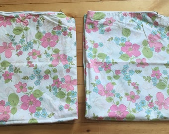 Vintage 1960s Handmade Floral Zippered Cotton Pillowcases!