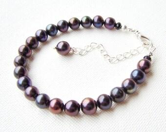 Peacock pearl bracelet / freshwater pearl bracelet / rainbow pearls / gift for her / birthday gift / girlfriend gift / unique bracelet