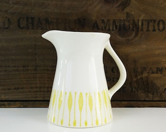 Vintage Creamer Pitcher / Syrup Pitcher / Butter yellow and off white