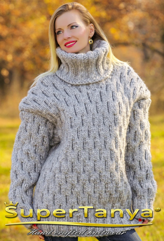 Well-liked Mega thick and heavy hand knitted mohair wool sweater in gray TN46