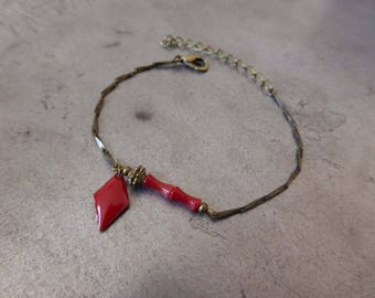 Red bracelet sleek, coral and resin.