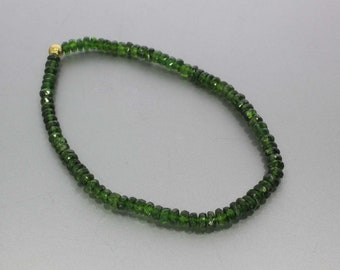 Chrome diopside Faceted Rondelle 4 to 5 mm AA Bracelet (Handmade & Stretchable)