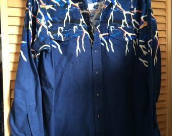 Vintage 80's Wrangler western shirt, dark blue with lightening bolts, 100% cotton, size large