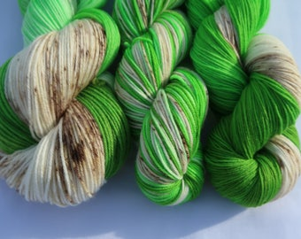 SALE - Christmas 2017 colourway 'Oh Christmas Tree' on the Darling DK Base - 100% SW Merino, Speckles, Speckled Yarn, Double Knitting.