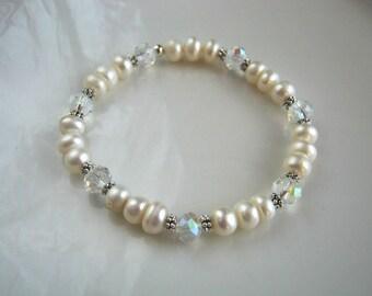 White Freshwater Pearl Stretch Bracelet White Pearl Bracelet White Pearl Bridal Bracelet Bridesmaid Bracelet