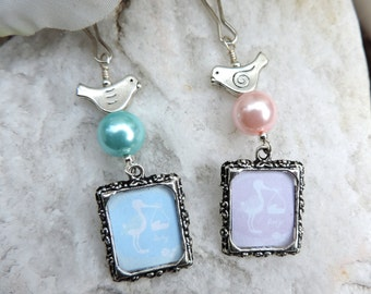 Mother's Day, Graduation, Birthday or Gender reveal - photo charm. Little bird and small picture frame with pink, white or blue pear