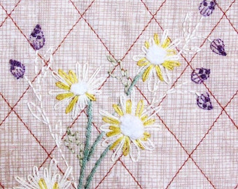 hand embroidered daisy wall hanging, neutral home decor, fabric wall hanging