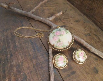 Vintage Gold Tone Porcelain Painted Pink Rose Necklace with Matching Clip Earrings
