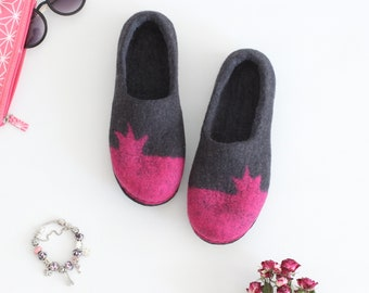 Women slippers Princess, felt wool houseshoes, dark grey pink slippers, Wedding gift, felt wool clogs, valenki, slippers with crown, stylish