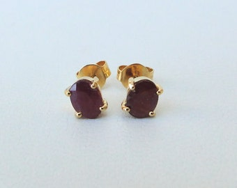 Solid 14 Carat Gold Jewelry Ruby Gemstones Ear Studs Earring Pair