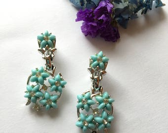 Blue Thermoset Floral Earrings Vintage Light Blue Flowers With Yellow Rhinestones Clip On Earrings 1960s Mid Century Collectible Jewelry