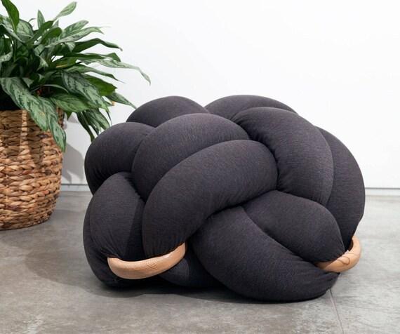 grand coussin de sol noeud en gris fonc pouf noeud coussin. Black Bedroom Furniture Sets. Home Design Ideas