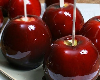 1/2 Ounce Red Candy Apple Flavor Oil