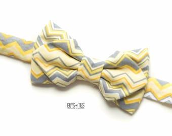 yellow and gray chevron bow tie, gray yellow bow ties, groomsmen bow ties, mens yellow bow tie, zig zag bowties, boys chevron bowtie