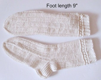 "Socks cotton hand knit. Foot length 9"".Non elastic  diabetes friendly socks. Reinforced heel. Off -white color. Bed socks. Ready to ship"