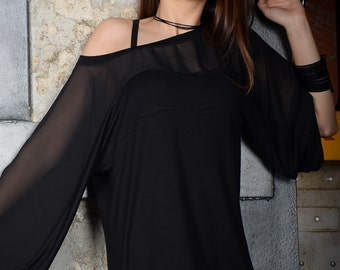 Black tunic, blouse with long sleeves, black blouse, black top, loose top, long tunic, tunic top - UM-101-VLCH