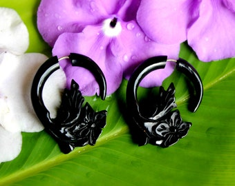 Fake gauge earrings, Organic Black Horn, Tribal Style, Split Gauge Earrings, Fancy, Floral Earrings, Hand Carved