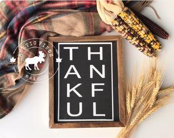 Thankful wood sign // thankful sign // thanksigiving sign // thanksgiving decor // fall decor // autumn decor // thankful // farmhouse decor