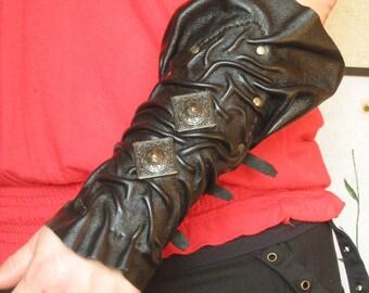 Gothic Sorceress Vampire Medieval Warrior Forearm Leather Bracer