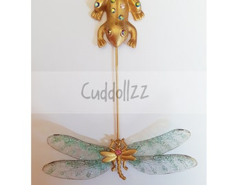 Dragonfly and frog brooch