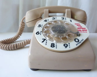 Vintage 1970 Bell System Rotary Telephone. Made by Western Electric