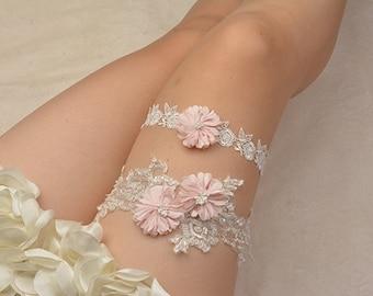 off-white bridal garter, wedding garter set, bride garter , beaded floral garter,light pink flower garter,garters for wedding ,toss garter