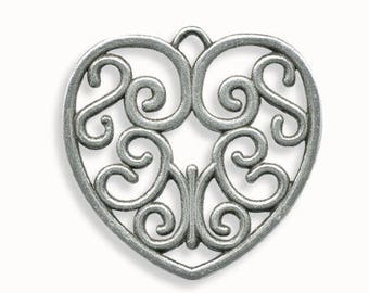 Metal 38mm antique silver heart pendant