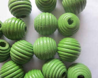Green Wood Chunky Spiral Round Beads 20mm 12 Beads