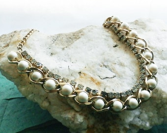 Vintage Faux Pearls and Rhinestones Gold Tone Chain Link Necklace