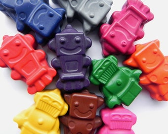Robot Crayons | Set of 10 | Novelty Crayons | Birthday Gift | Party Favours | Colouring activities | Little Robot | Children's Gift | Robot