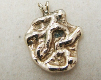 c678 Beautiful 14k Yellow Gold Nugget Pendant
