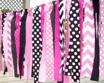 Rag Tie Banner, Pink-Black-White Rag Tie Garland, Rag Banner, Photo Prop, 1st Birthday, baby shower, Birthday Banner, Minnie Mouse party