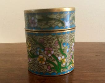 Pretty cloisonné pot and cover with olive green coloured background